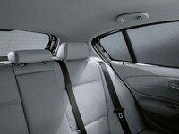 Солнцезащитная шторка для BMW F20 1-серии
